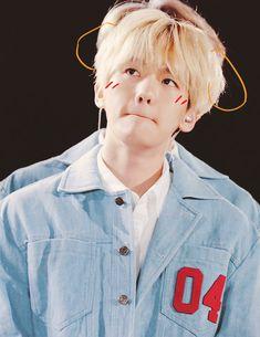 Find images and videos about kpop, exo and baekhyun on We Heart It - the app to get lost in what you love. Luhan, Kaisoo, Chanbaek, Selca Baekhyun, Kris Wu, K Pop, Baekhyun Wallpaper, Kim Jong Dae, Photoshoot Pics