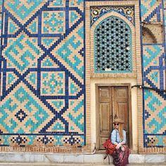 Samarkand, Uzbekistan Persian Architecture, Mosque Architecture, Beautiful Architecture, Art And Architecture, Earth City, Spiritual Photos, Persian Motifs, Iron Work, Silk Road