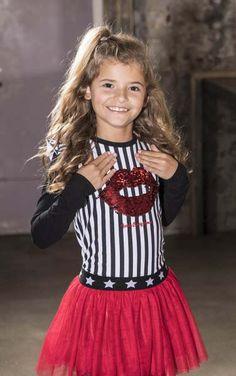 RED ALERT! #kinderkleding #bnosy #merk #rood #meisje #girlslook #feestdagen #kerst #2019 #winter #herfst #rok #fashion #inspiratie Party Looks, Dads, How To Make, Fashion Kids, Winter, Paradise, Things To Sell, Tulle, Winter Time