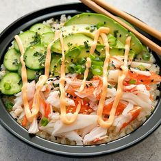 California Sushi Roll Bowls with Cauliflower Rice Meal Prep. Deconstructed California sushi rolls are served with low carb cauliflower sushi rice. Sushi Recipes, Rice Recipes, Seafood Recipes, Asian Recipes, Low Carb Recipes, Cooking Recipes, Healthy Recipes, Skillet Recipes, Cooking Tools