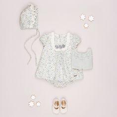 La colección de trajes para bebés de Pili Carrera.