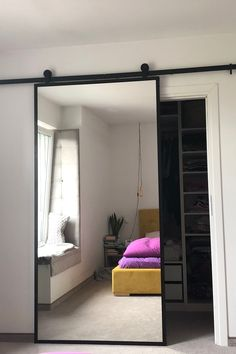 Discover recipes, home ideas, style inspiration and other ideas to try. Cool Bedroom Furniture, Bedroom Decor, Modern Bedroom Design, Bathroom Interior Design, Bedroom Designs, Bedroom Ideas Pinterest, Apartment Makeover, Small Room Bedroom, Master Bedroom