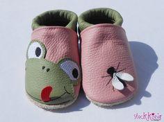 Found on DaWanda / Steckkoenig-Design :) - Kids Fashion Felt Baby Shoes, Cute Baby Shoes, Doll Shoe Patterns, Baby Shoes Pattern, Toddler Shoes, Kid Shoes, Sewing For Kids, Baby Sewing, Baby Dress Tutorials