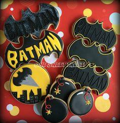 Batman cookies - Batman Party - Ideas of Batman Party - Batman cookies Más Lego Batman Birthday, Lego Batman Party, Batman 2, Superhero Party, Batman Cookies, Superhero Cookies, Batman Party Supplies, 6th Birthday Parties, Royal Icing Cookies