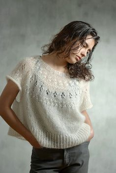 Stylish pullover oversize with a description - Knitting 2019 - 2020 Knitting Room, Lace Knitting, Knitting Stitches, Knit Crochet, Couture Main, Pull Court, Angora, Knitwear Fashion, Hand Knitted Sweaters