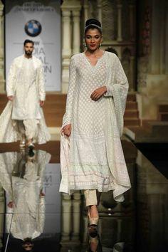 abu jani sandeep khosla  Chikenkari suit showcased @ India Bridal Week 2015 #Bridal #Indian #Ethnic