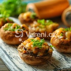 This Browned Butter Sage and Pumpkin Stuffed Portobello Mushrooms with Crispy Bacon recipe is a bite-sized version of fall. Cold Appetizers, Appetizer Recipes, Snack Recipes, Healthy Recipes, Crispy Bacon Recipe, Bacon Recipes, Cheese Stuffed Mushrooms, Kebab, Baby Eating