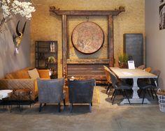 Landelijke eettafel met stoere eetkamerstoelen naast een comfortabele lederen bank.  Zen Lifestyle is gevestigd in Wijchen bij Nijmegen en heeft showroom van 10.000 m². Natuurlijk vind je in onze winkel onze eigen producten, zoals ons aanbod vintage en retro banken, onze topsellers, zoals het vintage tv-dressoir Stan. Maar ook hebben wij de mooie collectie van Zuiver en Duchtbone en vind je er nog veel meer topmerken, zoals Be Pure, JouwMeubel, UrbanSofa, Fatboy, Makkii, Woood etc.
