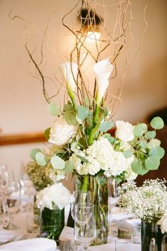 White and Green Centerpiece | photography by http://www.amandaforbes.com/