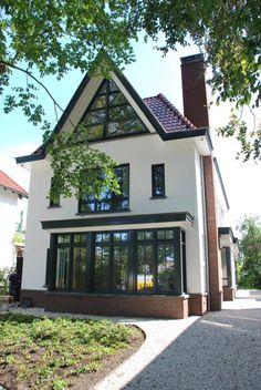 Modern met een klassieke basis: Klassiek Huizen door Architektenburo J.J. van Vliet bv
