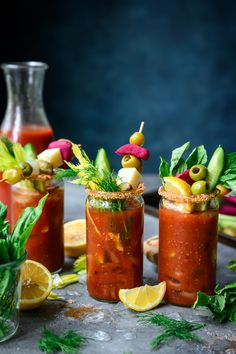 (Vegan) Bloody Mary Bar = the ultimate brunch-at-home setup. Gather a few friends, your favorite bottle of vodka and a whole lot of toppings/garnishes! #bloodymary #bloodymarybar #brunchrecipes #brunchcocktail #vegan #plantbased #bloodymarytoppings #cocktailphotography | crowdedkitchen.com Bloody Mary Ingredients, Bloody Mary Bar, Bloody Mary Recipes, Berry Salad, Best Shakes, Chicken And Waffles, Craft Cocktails, Summer Cocktails, Margarita Recipes