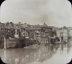 Foto storiche di Roma - La zona dell'attuale Lungotevere Gianicolense prima della costruzione dei Muraglioni Anno: 1890 ca.