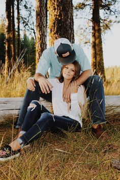 country senior pictures couples Senior Pictures – Country senior pictures coupl… - Amy's World Horse Senior Pictures, Couple Senior Pictures, Pictures With Horses, Couple Picture Poses, Couple Photoshoot Poses, Couple Photography Poses, Senior Photos, Engagement Pictures, Picture Ideas