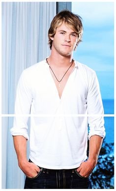 Chris  Hemsworth as young as pretty