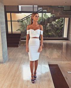 OZ @otaymazerpadesigns 🖌💜 White Bridal Dresses, Little White Dresses, Nice Dresses, Short Dresses, Bridesmaid Dresses, Amazing Dresses, Formal Dresses, Best Bride, Perfect Bride