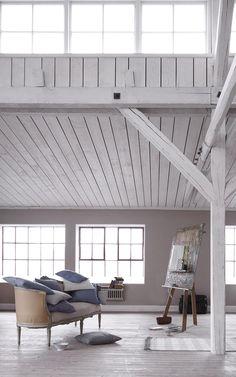www.tinekhome.com  white barn interior