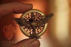 New Mockingjay brooch fom polymer clay by Krinna.deviantart.com on @deviantART