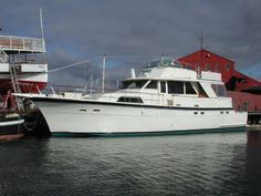 Google Image Result for http://www.mysticseaport.org/images/site_images/donated_boats/hatteras_r.jpg