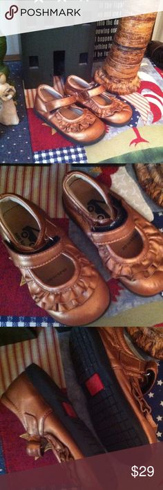 See Kai run. Copper maryjanes Worn once. Excellent!!! Sz 8 leather ruffles. So cute!!! See Kai Run Shoes Baby & Walker
