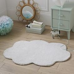 Dihya Child's Cloud Rug LA REDOUTE INTERIEURS This plush cloud-shaped rug brings a playful softness to your child's room. Childrens Bedroom Furniture, Kids Bedroom, Bedroom Decor, Cloud Bedroom, Flokati Rug, Grey And White Rug, Black White, 230, Child Room