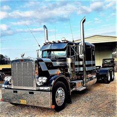 #truckporn #cdlhunter #cdljobs #bigrig #dieselpower #dieseltrucks @cdlhunter Small Trucks, Big Rig Trucks, Dump Trucks, Old Trucks, Peterbilt 359, Peterbilt Trucks, Custom Big Rigs, Custom Trucks, Diesel Trucks