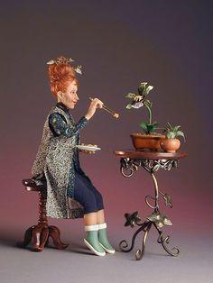 Miniatures. Doll Art | Photo: Mrs. Strange..feeding her lovely Pet.... 1:12th Miniature Scale