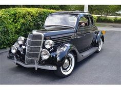 1935 Ford Model 48 Black Coupe