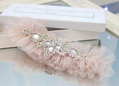 blush pink tulle wedding garter with crystals - Handmade_by_Donna - Podwiązki