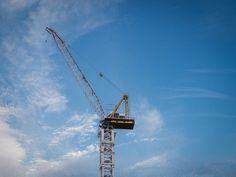 2014-04 New York crane. #toptravelspot #usa #newyork #manhattan #crane #construction #bluesky #instatraveling #instapassport #instantraveling #instadaily