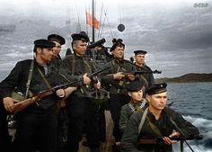 RUSOS EN LA GUERRA (FOTOS EN COLOR) Reportaje fotográfico publicado en Crónica gráfica de la Segunda Guerra Mundial http://malditoinsolente.com/pura-imagen/fotografia/reportajes-graficos/cronica-grafica-de-la-segunda-guerra-mundial/3391-rusos-en-la-guerra-fotos-en-color