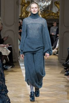 John Galliano Fall 2017 Ready-to-Wear Collection Photos - Vogue