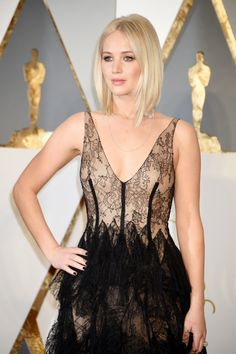 Jennifer Lawrence attends the 88th Annual Academy Awards at Hollywood & Highland Center on February 28, 2016 in Hollywood, California.