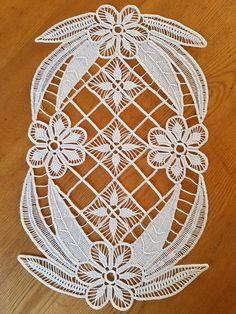 Romanian Lace, Pattern Design, Elsa, Arizona, Hand Embroidery Stitches, Hardanger Embroidery, Crochet Designs, Dots, Macrame Patterns