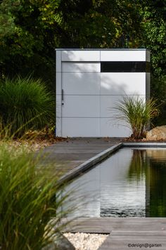 design gartenhaus atgart_zwei in München by design@garten #Gartenhaus #HPL #Gerätehaus