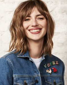 Anais Baydemir, Evelyne Dheliat, Lob With Bangs, Fashion Models, Fashion Beauty, Star Francaise, Famous Women, Beautiful Smile, Girl Crushes