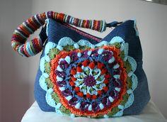 LuzPatterns.com Upcycled denim and crochet bag, pattern giveaway #patterngiveaway #giveaway #crochetpatterns