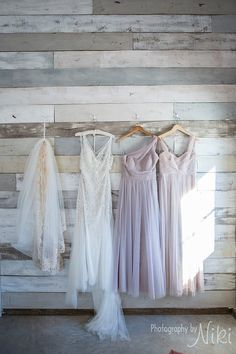 Bridal Suite- Wall to hang dresses