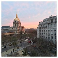 Bonjour Paris! You are stealing my heart ❤️ View from the hotel room at Hotel de France Invalides! buzzandgo