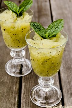 granizado de kiwi y melon Kiwi, Fruit Juice, Cheap Meals, Iced Tea, Recipe Collection, Moscow Mule Mugs, Smoothies, Ice Cream, Yummy Food