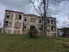 Abandoned Buildings, Abandoned Places, School's Out Forever, Mount Rushmore, Urban, Mountains, Mansions, House Styles, Travel