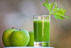 Tomarjugos es la manera más rápida de obtener vitaminas, antioxidantes y enzimas que nuestro cuerpo ocupa. Duras solo un par de minutos en ingerir un vaso lleno de jugo. Si tomas jugos naturales sin procesarcon frutas naturalesen las cantidades exactas para tu peso puedes mejorar tu salud y perder peso al mismo tiempo que tomas …