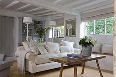 Beautiful sitting room - lovingly repinned by www.skipperwoodhome.co.uk
