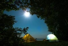 http://luci-strobo.com/benvenutoa-su-luci-strobo-com/luci-stroboscopiche-per-uso-tecnico/luci-strobo-per-corsa-campeggio-escursioni-caccia-pesca/ Facile guida per aiutarti a scegliere la tua luce frontale per corsa, escursioni, caccia e pesca. In più, alcuni consigli sulla torcia da campeggio.