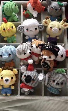 Crochet Bee, Kawaii Crochet, Cute Crochet, Crochet Crafts, Easy Crochet, Crochet Projects, Crochet Animal Patterns, Crochet Doll Pattern, Crochet Patterns Amigurumi
