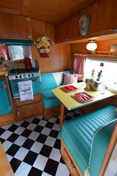 1955 Starfire Vintage Caravans, Vintage Trailers, Retro Campers, Happy Campers, Converted Bus, Remodeled Campers, Small Living, Motorhome, Fixer Upper