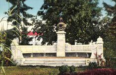 Arad:Erzsébet királyné emlékműve,1915. Romania, Statue Of Liberty, Travel, Statues, Queen, Statue Of Liberty Facts, Viajes, Statue Of Libery, Destinations