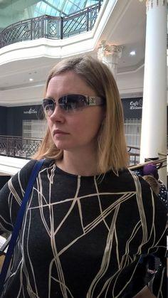 Stunning ladies CHANEL Designer Diamante Sunglasses, 4117-B  C124 8G  62 16 125