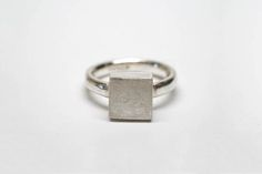 Solid Square Signet Ring, Minimalist Ring, Sterling Silver Seal Ring, Women's Signet Ring, Simple Ring Geometric Ring, Architectural Jewelry