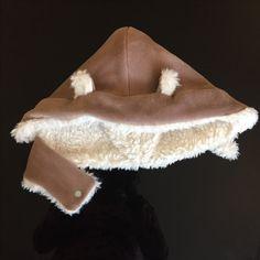 Bonnet à oreilles imaginé à partir d'une capuche avec cache-cou #couture Sewing Projects, Diy Projects, Homemade, Couture, Fashion, Ears, Moda, Home Made, Fashion Styles