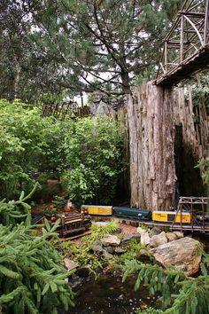 Best Garden Railway EVER (4) | Flickr - Photo Sharing! Miniature Gardens, Amazing Gardens, Sony, Plants, Art, Art Background, Kunst, Plant, Performing Arts